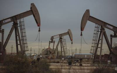Цены на нефть перешли к снижению после бурного роста